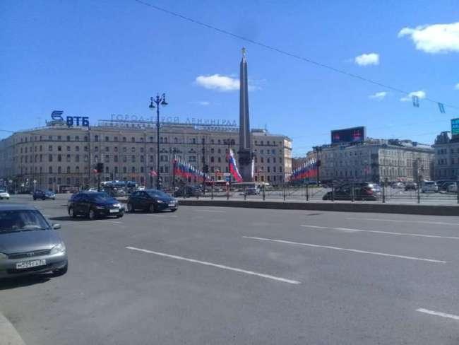 Прогулки по праздничному Петербургу (31 фото)