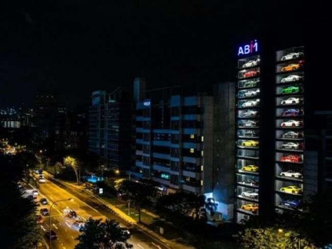 В Сингапуре появился гигантский «вендинговый автомат» по продаже автомобилей (6 фото + видео)