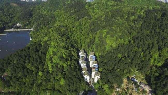 Экологически чистый район китайского города Гуйян (3 фото)