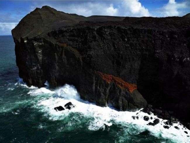 Молодой остров Сюртсей у берегов Исландии (5 фото)