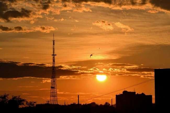 Закат и современные городские пейзажи (20 фото)