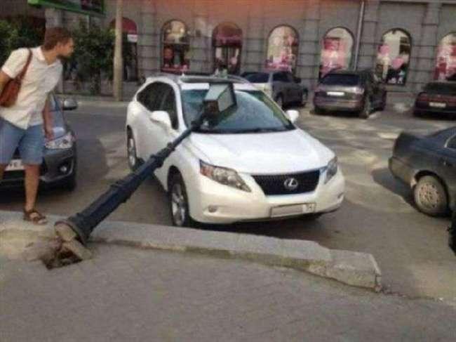 Необычные аварии (32 фото)