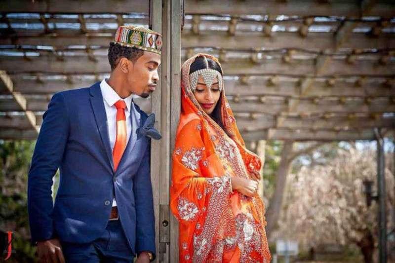 Первая брачная ночь в Африке: безумные обычаи и странные традиции (16 фото)