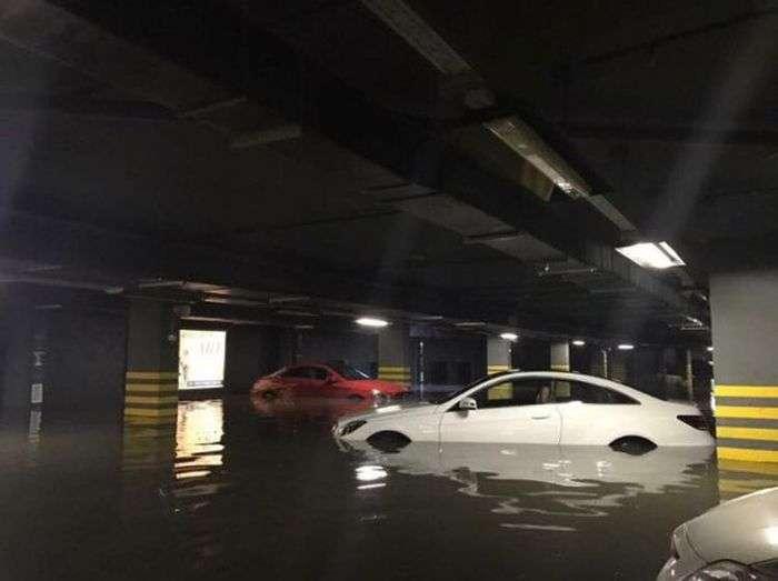 Последствия шторма в Москве и Подмосковье для жильцов элитной новостройки (3 фото)