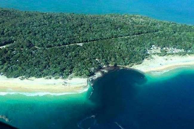 В Австралии провал поглотил пляж с кемпингом (7 фото)