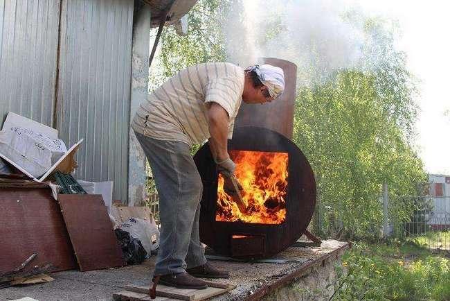 Томские судебные приставы сожгли 53 шубы из натурального меха