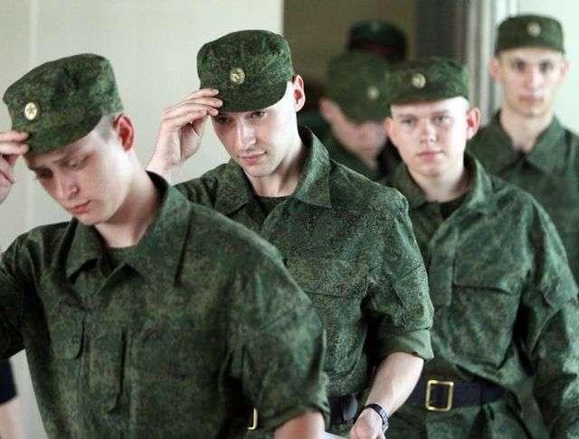 В Череповце был задержан уклонист, переодетый в девушку
