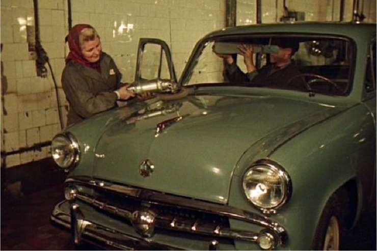 Советские люди: цветная кинохроника 1956 года (25 фото)