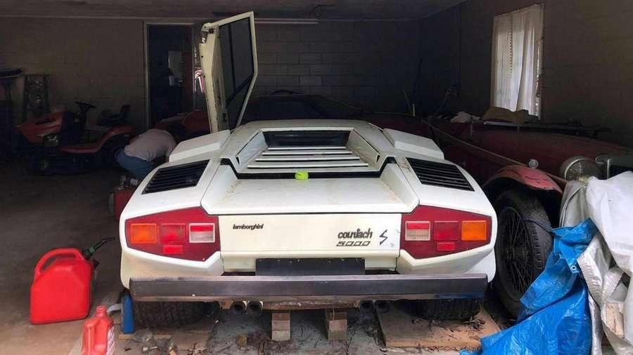 Клад в дедушкином гараже — Lamborghini Countach 5000S