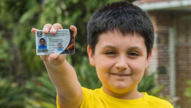 12-летний мальчик стал студентом Национального университета (2 фото)