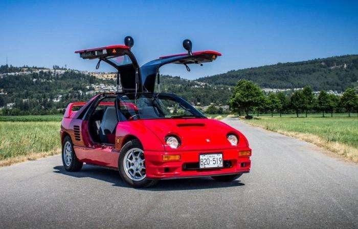 Mazda Autozam AZ-1: маленький спортивный автомобиль с «крыльями чайк