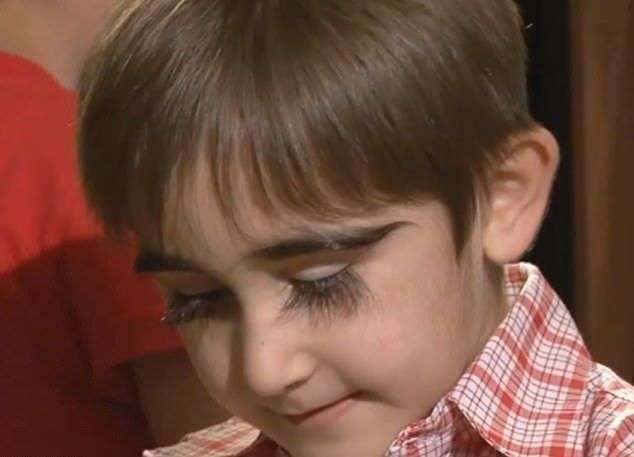 Ресницам 11-летнего пацана из Москвы позавидует любая девушка (6 фото)
