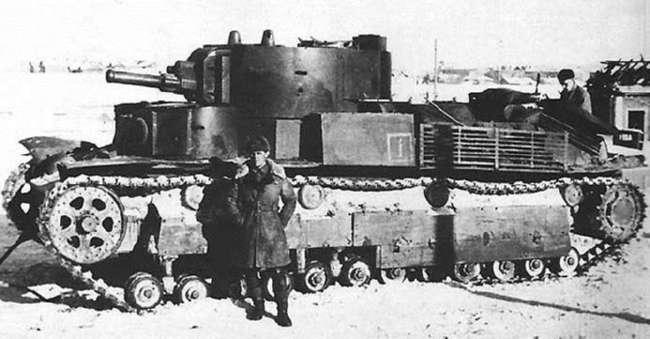 Когда в СССР появились первые танки (7 фото)