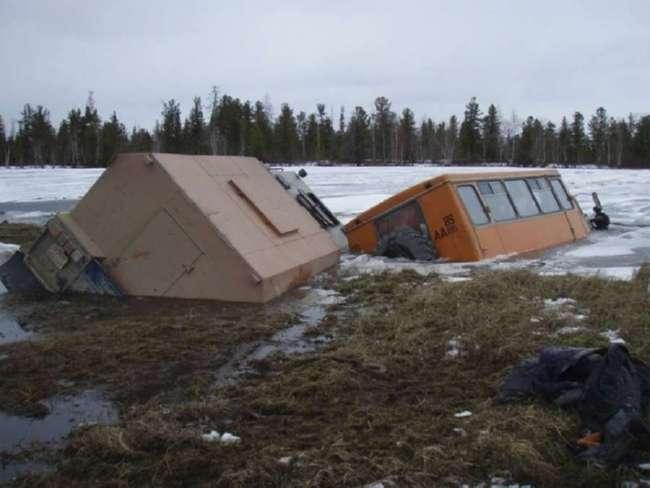 Когда водитель на Севере решает срезать через болото