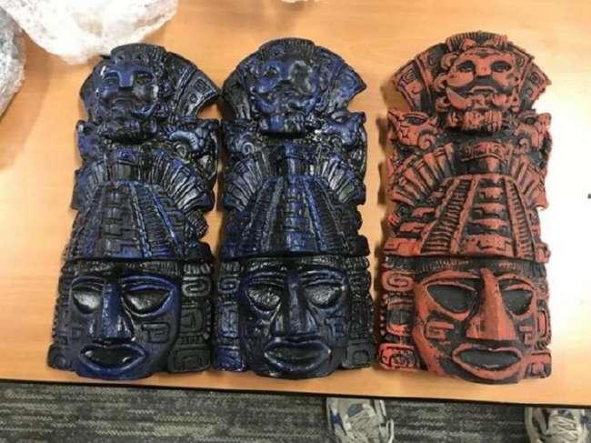 Как думаете, из чего сделаны эти маски? (4 фото)