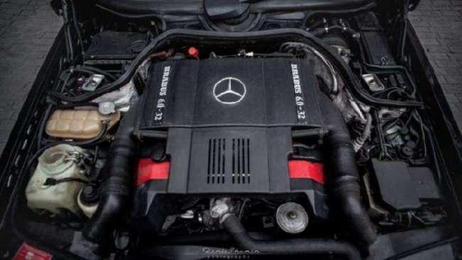Фантастический Mercedes-Benz W124 6.0L от Brabus (9 фото)