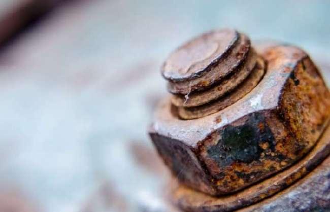 Три эффективных способа справиться с прикипевшей гайкой (4 фото + видео)