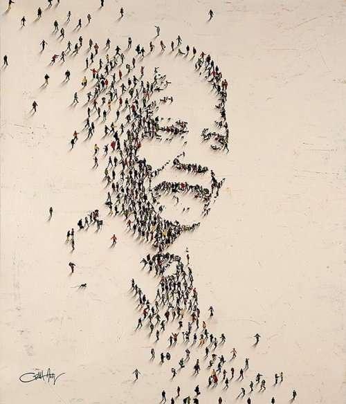 Издалека эти портреты кажутся состоящими из тысяч мелких штрихов, однако при приближении оказывается, что это — крошечные человеческие фигуры (22 фото)