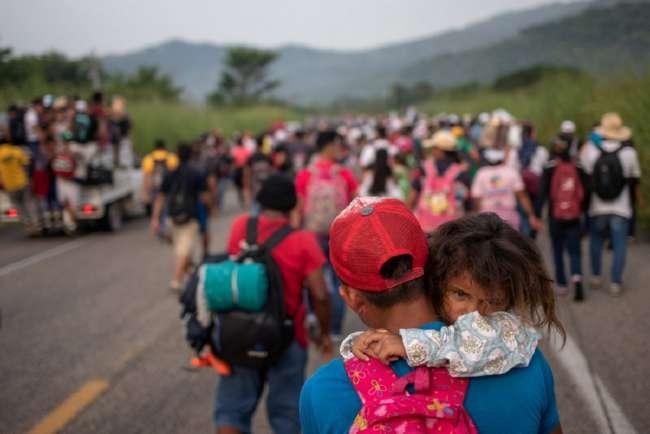 Караван мигрантов приближается к США