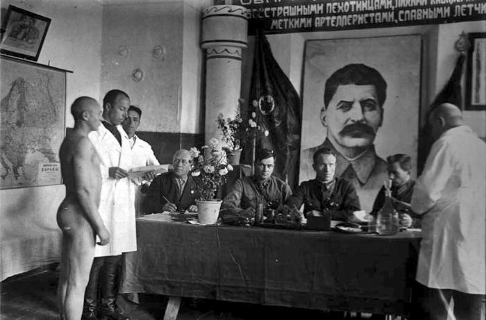 Какие секретные и откровенно странные военно-научные программы разрабатывались во времена Сталина (5 фото)