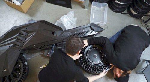 В Германии создали полностью напечатанный на 3D-принтере электрический мотоцикл NERA (7 фото)