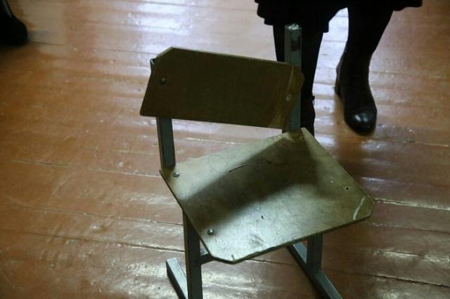 Скандал в 20-й школе: зато кабинет у директора с ремонтом (7 фото)