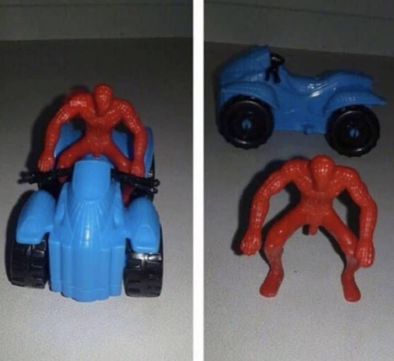 20 детских игрушек с абсолютно нелепым дизайном, напоминающих реквизит фильмов ужасов