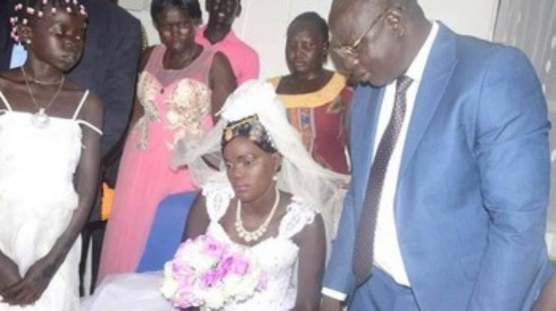 Семья из Южного Судана продала 17-летнюю дочку за 530 коров и три машины