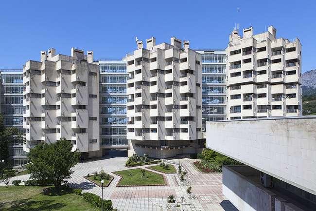 Монстры из прошлого: cамые странные здания Украины и Крыма (15 фото)