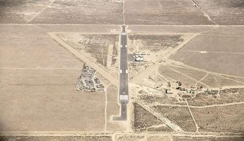 Фотограф создаёт гиперреалистичные 3D-изображения мест крушения НЛО (9 фото)