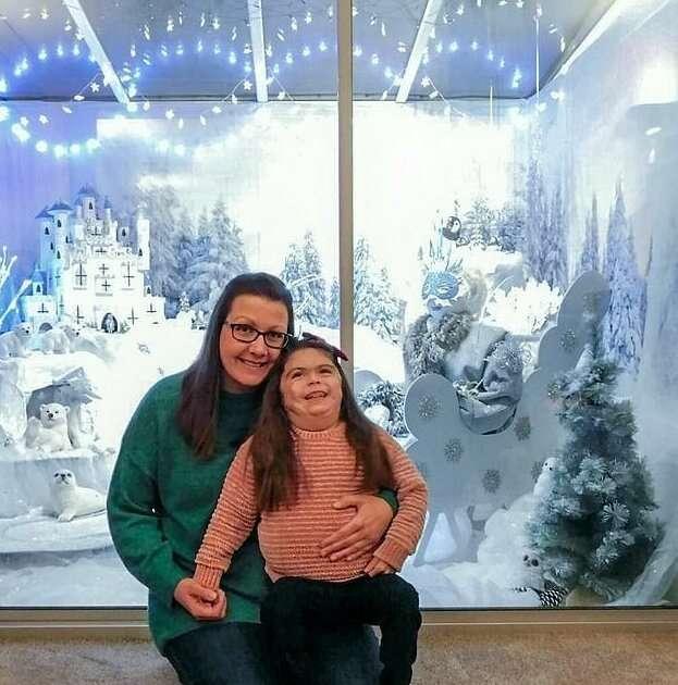 Мама создала для тяжело больной дочери новогоднюю сказку