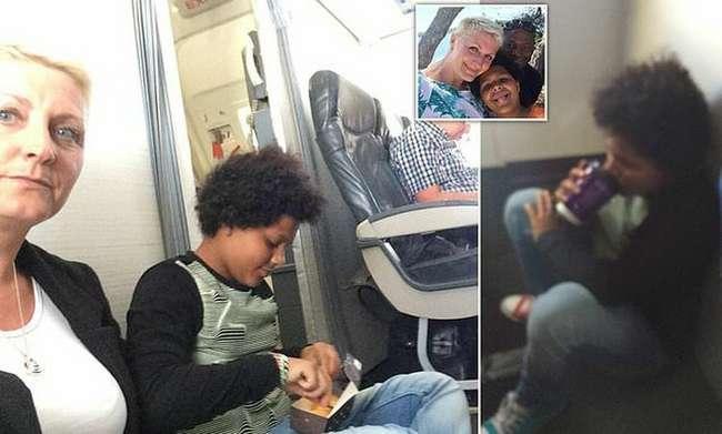 Пассажиры были вынуждены сидеть на полу во время полета, так как их места оказались фикцией