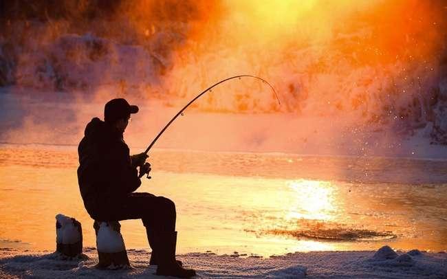 Демотиваторы про рыбалку и рыбаков (9 фото)