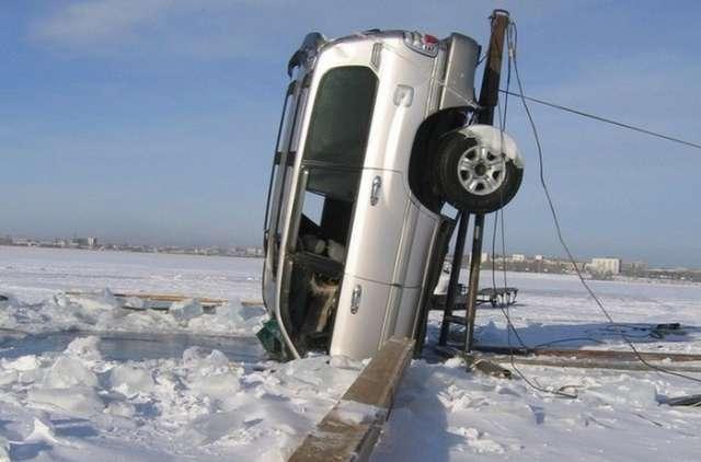 Машины тонут, или любителям байкальского льда посвящается