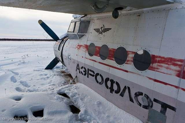 Кладбище полярной авиации (30 фото)