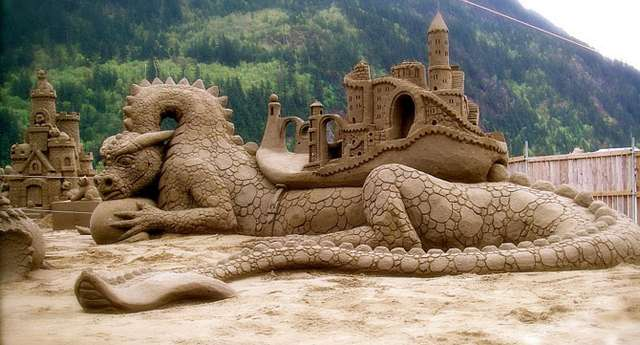 Песчаные скульптуры (25 фото)