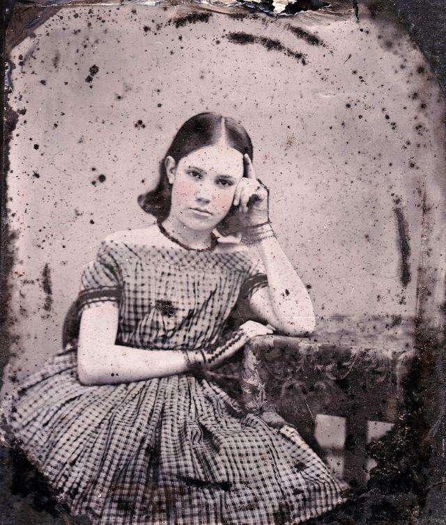 20 колорированных ретро-фото: как выглядели девушки-подростки в середине XIX века
