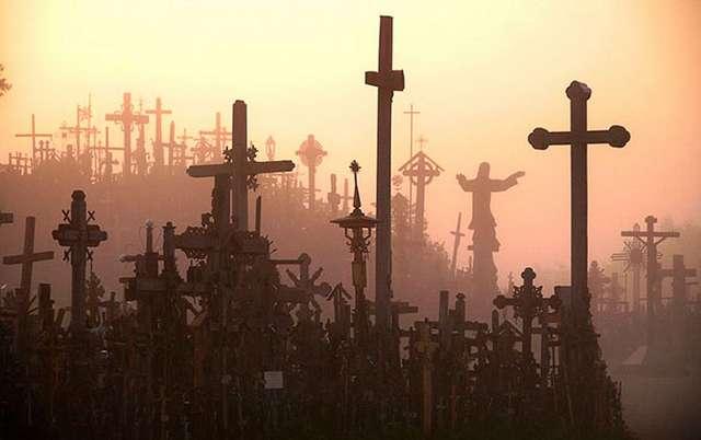 Таинственная Гора Крестов (19 фото)