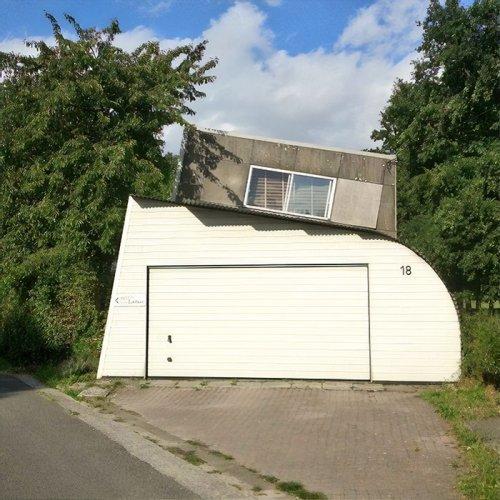 Бельгийская архитектура: нелепая и беспощадная (29 фото)