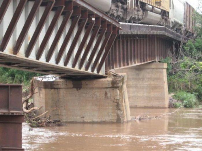 Страшный мост (7 фото )