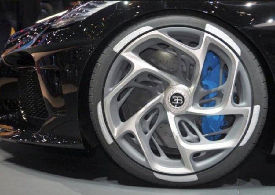 Криштиану Роналду купил самый дорогой автомобиль La Voiture Noire