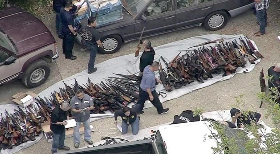 Тысячи единиц огнестрельного оружия обнаружены при обыске дома