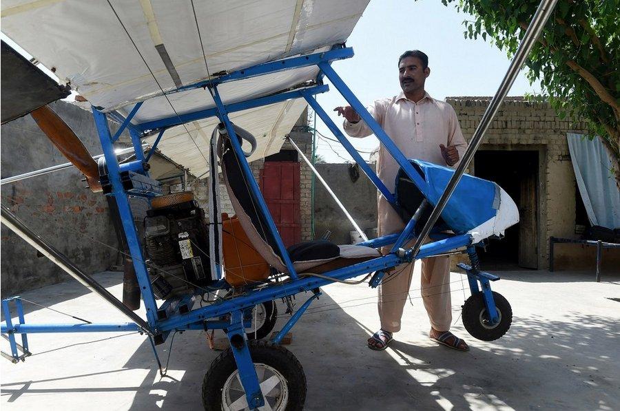 Пакистанец реализовал детскую мечту &8212; полетел на самодельном самолете