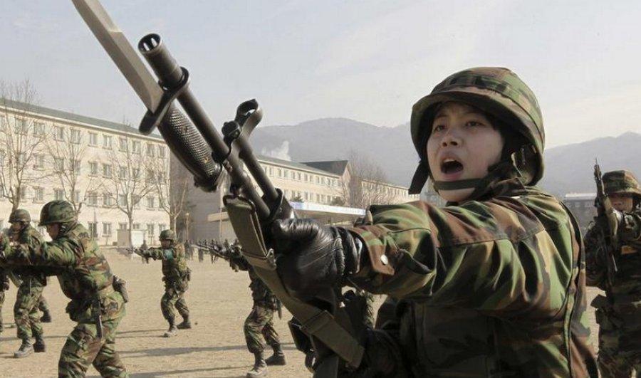 Японских пенсионеров приглашают на военную службу