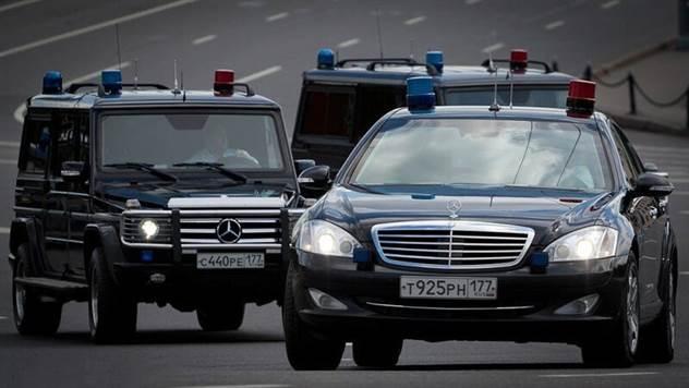 Какие автомобили предпочитают политики и чиновники в России? ( 7 фото )