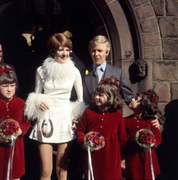 Самые уродливые свадебные наряды знаменитостей ( 19 фото )
