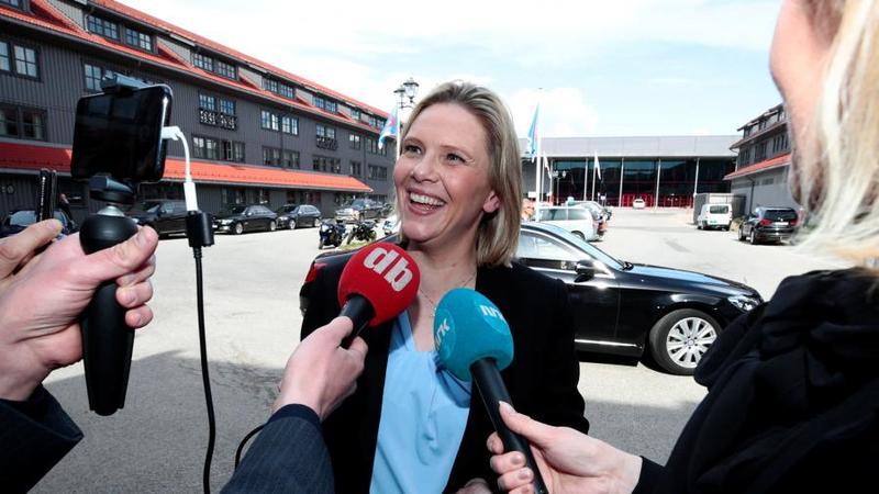Министр здравоохранения Норвегии разрешила гражданам пить и курить