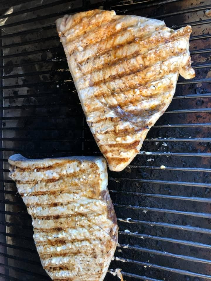Шашлык из меч-рыбы на 343 кг (16 фото)