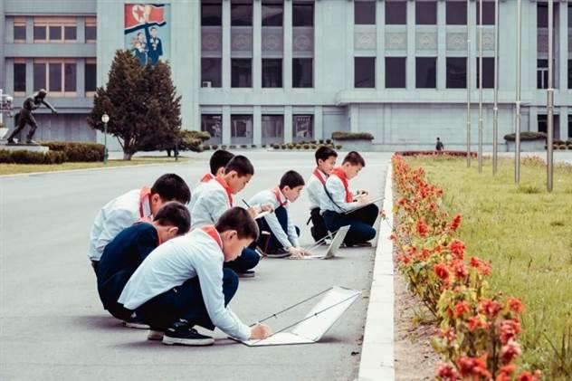 «Чосон»: объективная нереальность из Северной Кореи ( 60 фото )