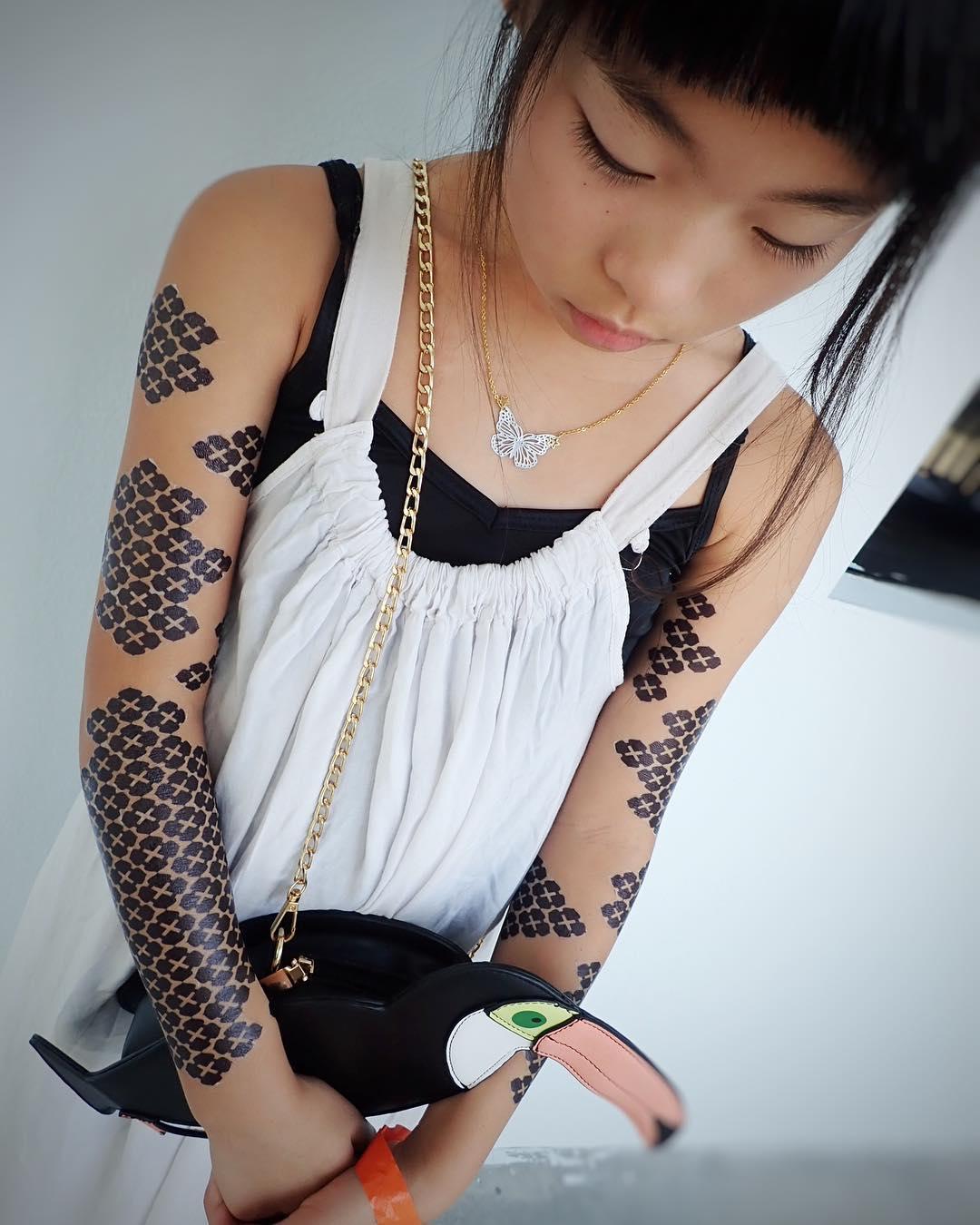 10-летняя японская тату-художница из Амстердама
